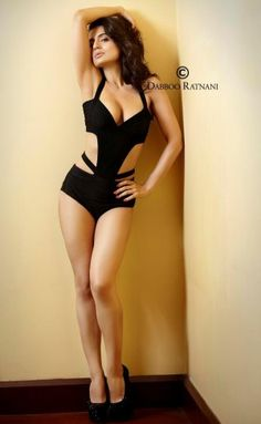 A complete information of Kannada film actress Ameesha patel hot photos in maxim magazine special issue-1