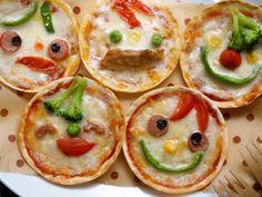 餃子の皮でニコニコピザ