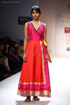 Model walks the ramp for Priyadarshini Rao, Sonam Dubal at Wills Lifestyle India. - Model walks the ramp for Priyadarshini Rao, Sonam Dubal at Wills Lifestyle India Fashion Week Autum - Sari Dress, Anarkali Dress, India Fashion Week, Lakme Fashion Week, Indian Attire, Indian Wear, Indian Dresses, Indian Outfits, Western Outfits