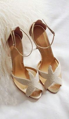 Shop Open Toe Wrap Over Sandals TAN online. SheIn offers Open Toe Wrap Over Sandals TAN & more to fit your fashionable needs. Stunning Wedding Dresses, Wedding Dress Styles, Designer Wedding Dresses, Beach Wedding Shoes, Everyday Shoes, Beautiful Shoes, So Little Time, Girls Shoes, Me Too Shoes