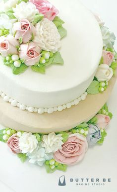 Floral arrangements - buttercream