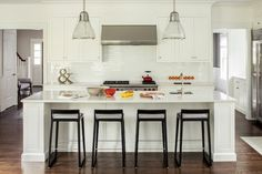 Tour Decor Aid's selection of the most glamorous and best kitchen designs created by our senior interior decorators