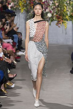 See the complete Jason Wu Spring 2018 Ready-to-Wear  collection.