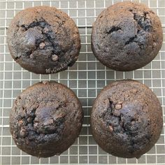 DOUBLE CHOCOLATE CHIP MUFFINS ( Chocolate Costco Muffins ) Double Chocolate Chip Muffins, Greek Desserts, Bread N Butter, Small Cake, Love Chocolate, Costco, Tart, Cookies, Breakfast