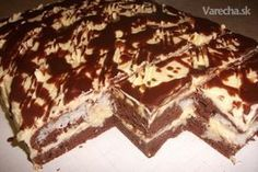 Našla som ho na nete na madarskej stránke chutí fantasticky Slovak Recipes, Czech Recipes, Fondant Flower Cake, Fondant Cakes, Fondant Bow, Fondant Tutorial, Fondant Figures, Sweet Desserts, Sweet Recipes