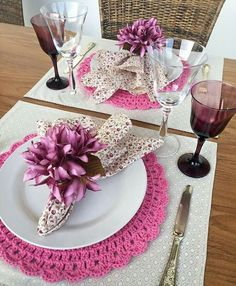 Crochet Placemats, Dinning Table, Diy Projects To Try, Rustic Wedding, Living Room Decor, Table Settings, Creations, Table Decorations, Tableware
