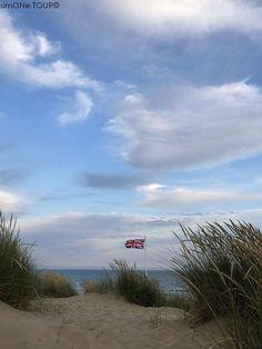Lies im Blog über unseren Urlaub im Südosten Englands in den Grafschaften East Sussex und Kent, über unser Cottage und die Dinge, die wir gesehen und erlebt haben. Lass dich für deinen eigenen Urlaub inspirieren. Rudyard Kipling, National Trust, East Sussex, Churchill, Camber Sands, Clouds, Outdoor, Mansion, Trench