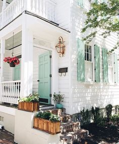 Nothing says welcome home like mint green shutters and the perfectly pink potted plant. #regram and : @kimgrahamphoto