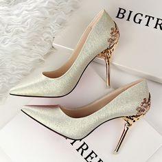 Verde oliva prata cinza branco de casamento das mulheres sapatos de noiva flor metálica detalhe brilhante lantejoulas bombas Sapatos de salto alto do dedo do pé pontudo em Bombas das mulheres de Sapatos no AliExpress.com   Alibaba Group