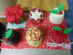 Collection of mini christmas cake ideas Mini Christmas Cakes, Cake Ideas, Cookies, Desserts, Collection, Food, Crack Crackers, Tailgate Desserts, Biscuits