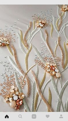 Hand-embroidered trim with pink raffia flowers and drop-shaped pearls Tambour Beading, Tambour Embroidery, Couture Embroidery, Flower Embroidery Designs, Embroidery Fashion, Ribbon Embroidery, Embroidery Patterns, Embroidery Tattoo, Embroidery Stitches