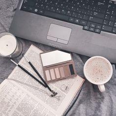 Flatlay makeup