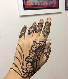 Best Marwari Henna Designs-Our Top 30 Marwari Mehndi Designs Mehandhi Designs, Henna Designs Feet, Back Hand Mehndi Designs, Indian Mehndi Designs, Modern Mehndi Designs, Mehndi Designs For Fingers, Beautiful Henna Designs, Mehndi Images, Hena Designs