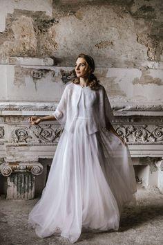 Wedding Cape, Bridal Cape, Wedding Shawl, Wedding Sweater, Bridal Cover Up, Bridal Bolero, Maternity Outfits, Stylish Maternity, Boho Bride