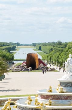 Make the most of your Paris trip. with our summer travel guide.