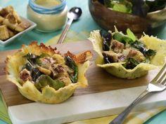 Receta de Ensalada con Pollo en Canasta de Parmesano