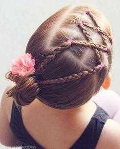 "1,982 curtidas, 26 comentários - ANGIE SMITH • HAIR TUTORIALS (@brownhairedbliss) no Instagram: ""Criss-crossed braids into a side bun for dance. """