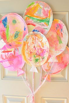 Family Birthday Traditions You Can Make and Do - Meri Cherry These are the sweetest birthday decorations. Kid made, adorable and free! Preschool Birthday, Birthday Activities, Birthday Crafts, Card Birthday, Birthday Ideas, Free Birthday, Traditions D'anniversaire, Birthday Traditions, Toddler Crafts