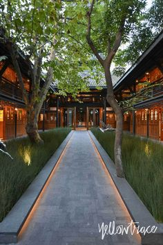 Smart outside lighting. The Entry to The Temple House Chengdu China, Photo by Nick Hughes Tropical Architecture, Chinese Architecture, Landscape Architecture, Interior Architecture, Landscape Design, Garden Design, Asian House, Thai House, Home Temple