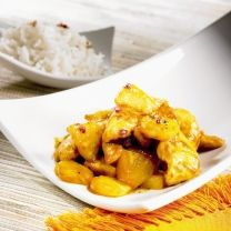 Saucy Chicken with pineapple chicken, cornstarch, salt and pepper, vegetable… Pineapple Curry, Pineapple Chicken, Pineapple Juice, Recipe Using Chicken, Chicken Recipes, Tefal Actifry, Actifry Recipes, Crispy Chips, Air Fried Food