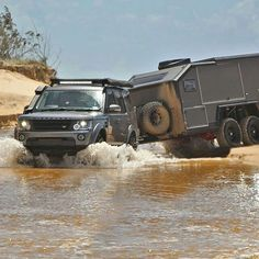 @bruder_expedition Crossing one of many creeks in the vast wilderness area of Arnhem Land in Australia's Northern Territory. #landrover #discovery4 #lr4 #d4 #4x4 #offroad #landroverphotoalbum