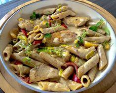 Kurczak z makaronem w sosie serowo-porowym - Blog z apetytem Snack Recipes, Healthy Recipes, Snacks, Chicken Pasta, Food Inspiration, Meal Prep, Food Porn, Food And Drink, Yummy Food