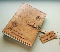 Kozeny zapisnik A5 s mapou, citatom a kozenym stitkom #handboundbook #leatherbook #bookbinder #bookb