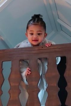 Stormi Webster's Playhouse From Kris Jenner Is Probably More Square Feet Than My Apartment Kourtney Kardashian, Familia Kardashian, Kardashian Jenner, Kendall Jenner, Kylie Jenner Look, Kendall And Kylie, Cute Mixed Kids, Cute Kids, Cute Babies