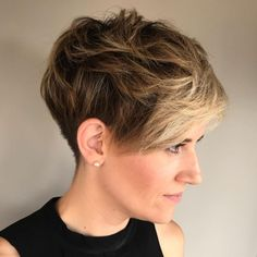 Messy Pixie For Thick Hair Chaotischer Pixie, Choppy Pixie Cut, Edgy Pixie Cuts, Pixie Haircut For Thick Hair, Thick Curly Hair, Wedge Hairstyles, Short Layered Haircuts, Short Hairstyles For Thick Hair, Pixie Hairstyles