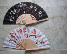 blanco y negro Hand Fans, Umbrellas, Workshop, Crafting, Hands, Hand Painted, Japanese, Paintings, Couples