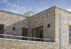 Inset downpipe Brick Architecture, Architecture Details, Landscape Architecture, Brick And Stone, Roof Design, Facade, Exterior, Outdoor Decor, Modern