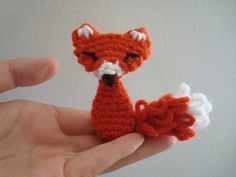 free pattern :  squinty fox by Trish Young