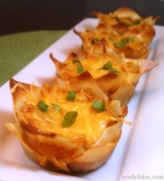 Hawaiian BBQ Wonton Cupcakes - pineapple, chicken and spicy BBQ sauce give these amazing flavor for just 139 calories or 4 Weight Watchers points each! www.emilybites.com #healthy