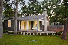 Exterior chimney design ideas enhance your exterior home design Traditional Exterior, Modern Exterior, Traditional House, Minimal Traditional, Bungalow Exterior, Bungalow Renovation, Rustic Exterior, Small Porches, Small Patio