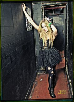 Avril Lavigne: Abbey Dawn Spring 2012 First Look!