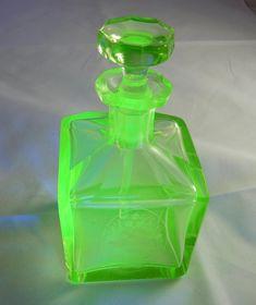 Par snygga art deco parfym flaskor Catawiki