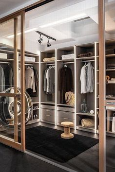 Home Inspiration: 32 Beautiful and Luxurious Walk-In Closet Designs Luxury Wardrobe, Open Wardrobe, Wardrobe Room, Wardrobe Design Bedroom, Luxury Closet, Closet Bedroom, Wardrobe Furniture, Master Closet, Master Bedroom