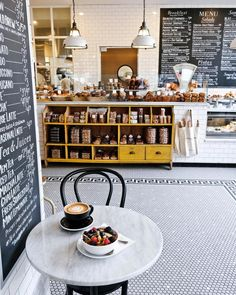 Perfect morning scene from another morning. ☕️🌿 Perfect morning scene from another morning. Café Bar, My Coffee Shop, Coffee Shop Design, Coffee Shops, Café Design, Store Design, Design Ideas, Boutique Patisserie, Café Bistro