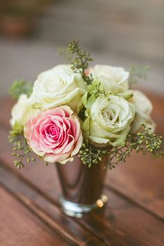 beautiful rose floral centerpiece @weddingchicks