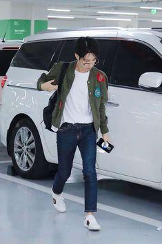 Read Tears from the story Boyfriend-Renjun by adorablehuang (fril) with reads. Nct Dream Jaemin, Huang Renjun, Na Jaemin, Kpop Outfits, Winwin, Boyfriend Material, Taeyong, Jaehyun, K Idols