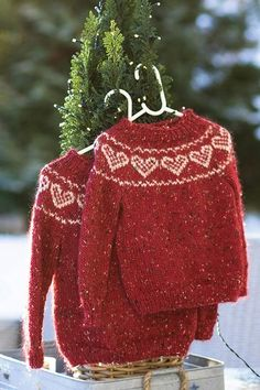Hand Knitted Sweaters, Sweater Knitting Patterns, Knitting Stitches, Knit Patterns, Hand Knitting, Sewing Clothes, Diy Clothes, Fair Isle Knitting, Stitch Design