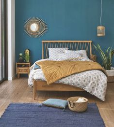 Bett + Lattenrost Quilda Bett + Latte Quilda Holz La Redoute Interieurs & La Redoute The post Bett + Lattenrost Quilda & schlafzimmer appeared first on Red . Home Bedroom, Bedroom Decor, 50s Bedroom, Summer Bedroom, Bedroom Green, Bedroom Ideas, Solid Oak Beds, Tropical Bedrooms, Bed Slats