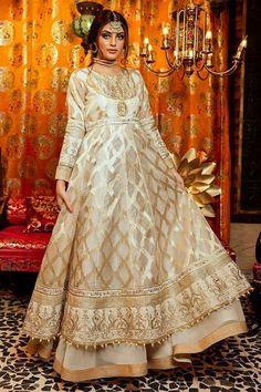 Pakistani Frocks, Pakistani Party Wear Dresses, Nikkah Dress, Shadi Dresses, Simple Pakistani Dresses, Pakistani Wedding Outfits, Pakistani Dress Design, Anarkali Dress, Pakistani Suits