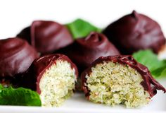 Ok so sure a Raw Food Diet is likely to be amazing for your health, it's just not a path I'll likely be headed down. There are some Raw recipes that appeal to me  like THIS one: Cacao Mint Macaroons