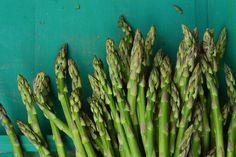 spárga Diet Recipes, Healthy Recipes, Asparagus, Van, Food, Diet, Studs, Vans, Hoods