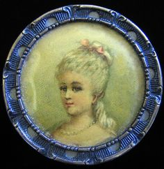 Stunning antique, lithograph portrait button of a lady.