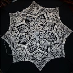 Crochet Umbrellas Archives - Beautiful Crochet Patterns and Knitting Patterns Freeform Crochet, Thread Crochet, Filet Crochet, Crochet Doilies, Crochet Lace, Crochet Stitches, Crochet Edging Patterns, Doily Patterns, Knitting Patterns