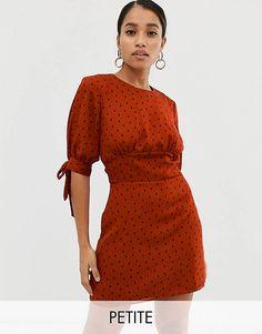 d760dc5814b5a2 Fashion Union Petite - Hoogsluitende mini-jurk met stippen
