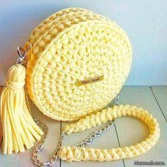 Best 12 Knitted Bags Knitting Patterns Step Stools Tulips Strands Dish Towels Mesh Farmhouse Rugs Make Up – SkillOfKing. Crochet Bag Tutorials, Crochet Crafts, Crochet Toys, Crochet Projects, Handmade Kids Bags, Trendy Backpacks, Free Crochet Bag, Crochet Handbags, How To Make Handbags