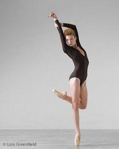 dance.net - I need photos of ballet dancers doing poses that don't ... ✯ Ballet beautie, sur les pointes ! ✯